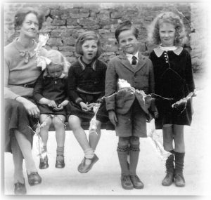 Mrs Cox with Helena Colwell, Dorothy Footitt, Geoffrey Laffor