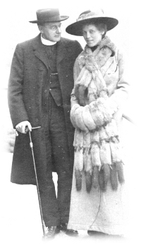 Rev Aste and Eva Beatrice Aste née Leggatt on honeymoon